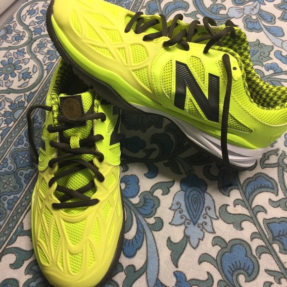 123b8618 Neon green yellow new balance court shoes men's 7 NWT